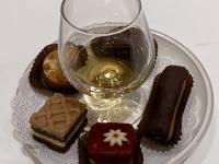 Dessert Petit fours und Cognac