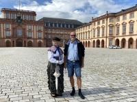 2021 08 05 Mannheim Schlossplatz mit RLin Berta Benz