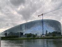 2021 08 06 Strassburg Europäisches Parlament vom Boot aus