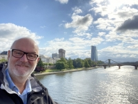 2021 08 08 Frankfurt Mainbrücke mit EZB