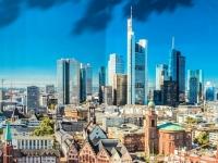 2021 08 08 Frankfurt Mainhattan auf Transparent