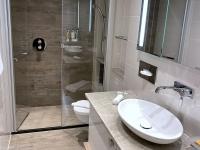 Große Suite Bad und WC