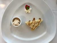 Dessert Apfelstreuselkuchen mit Karamell Sauce