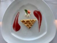 Dessert Käsekuchen mit Erdbeerragout