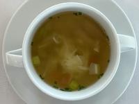 Suppe Hühnersuppe mit Wurzelgemüse