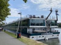 Amadeus Silver II liegt neben uns in Frankfurt