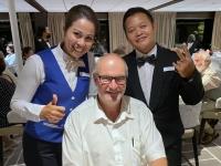 Unsere Kellner Anggara und Yuni aus Indonesien
