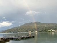 Regenbogen nach Wolkenbruch im Hotel