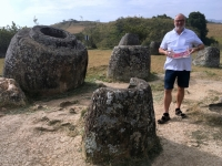 2017 11 06 Tonkrüge im Plain of Jars Reisewelt on Tour