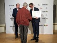 2019 06 04 Landessportehrenzeichen Bronze MR Dr Sepp Lehner Übergabe