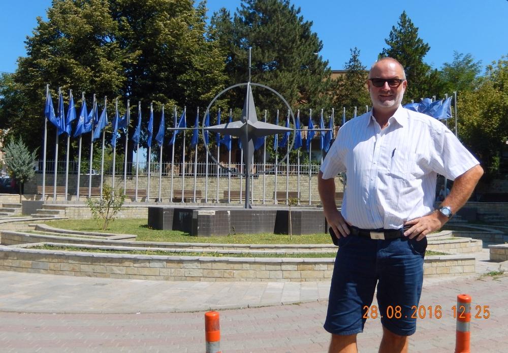 Kosovo 28 08 2016 Prizren Nato Denkmal