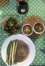 2020 05 09 AE Geburtstagsessen Filetsteak auf Pfeffersouce mit Spargel und Süsskartoffelgratin und gem Salat