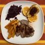 2020 11 05 AE Entenbrust mit Blaukraut und Süßkartoffelpommes sowie Knoblauchdip