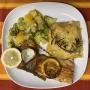 2020 11 27 Lachsforelle auf gemischtem Gemüse mit Kartoffelgratin