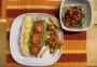 2020 12 09 Pulled-Chicken-Burger mit Süßkartoffelpommes und Salat