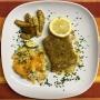2021 02 23 Seelachsfilet a la Bordelaise mit Gemüseauflauf und Kartoffelspalten