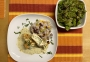 2021 03 24 Hühnerbrust gefüllt mit Gemüsereis auf Bärlauchsauce und Blattsalat
