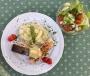 2021 05 10 Gebratener Lachs auf Spargelrisotto mit Salat