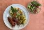 2021 06 27 Knacker gebraten mit kleinen Kartoffeln Gemüse und gemischter Salat