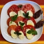 2021 08 07 Salat Caprese mit Olivencrostini