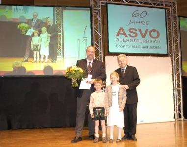 2007 04 14 Silberne Verdienstzeichen der Republik Österreich mit LH Dr. Josef Pühringer