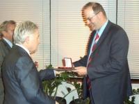2007 03 29 Landessportehrenzeichen des Landes OÖ in Gold mit LH Dr. Josef Pühringer