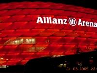 2005-05-31-eröffnung-allianz-arena-rot-im-detail