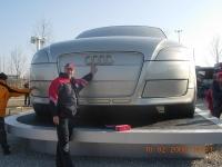 2008-02-10-audi-tt-mit-10-tonnen-auf-dem-parkplatz