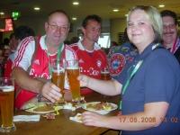 2008 05 17 Meisterschaftsspiel Hera 4_1 FCB Natternbach und Karin im Paulaner Treff