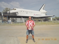 2013-03-21-fcb-magazin-in-houston-space-center-vor-space-shuttle