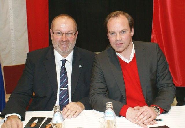 2009 12 13 Christian Nerlinger FCBayern Sportdirektor bei der Fanclub Weihnachtsfeier in Natternbach
