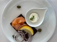 Frühstück serviert Räucherlachs 2021 Brilliant