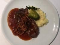 Zwiebelrostbraten und Zwiebelsauce 2018 Brilliant