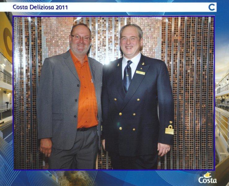 2011 10 18 Costa Deliziosa Kapitän Marco Derin