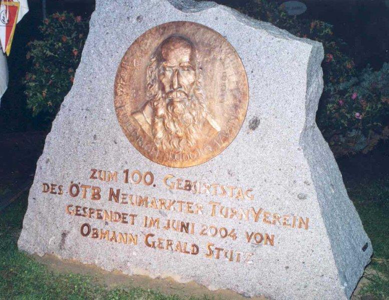 2004 06 01 Jahndenkmal beim Turnerheim