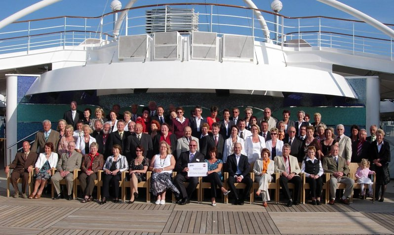 2009-gruppenfoto-am-pooldeck