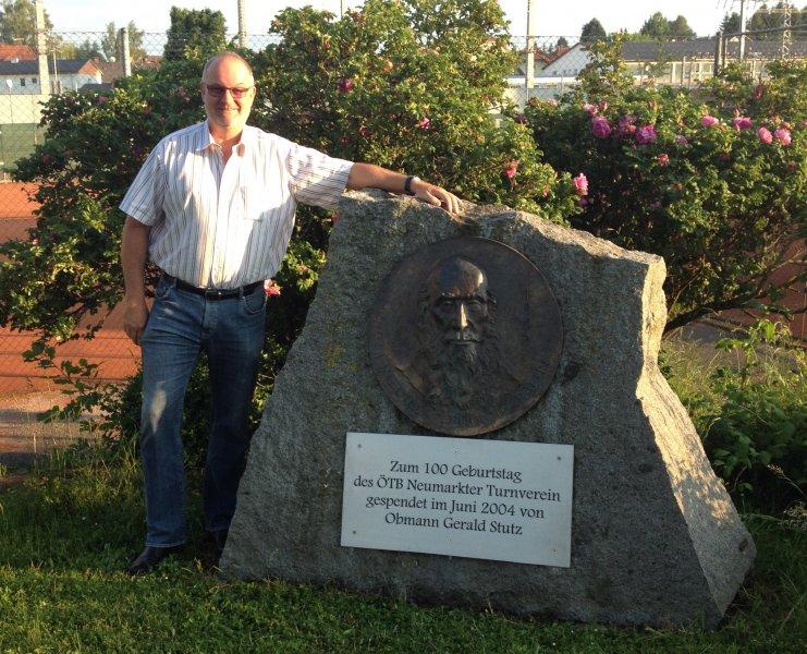 2014 06 03 Neues Schild bei Jahndenkmal Turnerheim