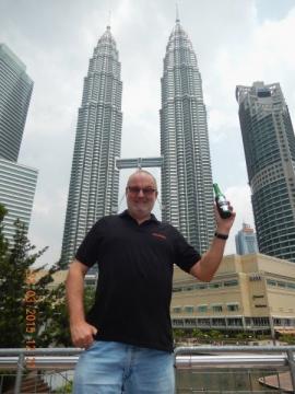 2015 03 22 Malaysia Kuala Lumpur Petronas Twin Towers Ritterbräu