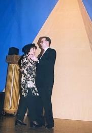 1998 01 31 Eröffnungswalzer Obmann Gerald Stutz mit Gattin Ingrid