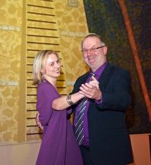 2013 01 26 Eröffnungswalzer Obmann Gerald Stutz mit Partnerin Jutta