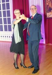 2020 01 25 Eröffnungswalzer Obmann Gerald Stutz mit Partnerin Jutta
