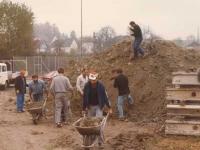 1977-10-turnerheimbau-es-wird-schon-wieder-hinterfuellt