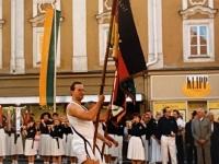1990 07 12 Vöcklabruck 10 ÖTB OÖ Gauturnfest Fahnenträger