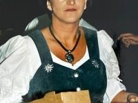 1999 07 09 Bezirksturnfest Neumarkt Volkstanzabend Ingrid bei der Arbeit