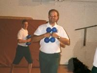 1999 07 11 Bezirksturnfest Neumarkt Schlussfeier Hantelgymnstik Ausmarsch