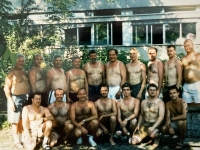 2001 07 14 Salzburg BTF ÖTB Vereinswettturnen Gruppenfoto nackte Oberkörper vorne