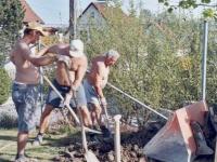 2004-04-30-baumallee-jahnwiese-grabungsarbeiten-mit-hans-gföllner