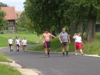 2004-08-13-jawa-seewalchen-schlussmänner-bei-der-kindergruppe
