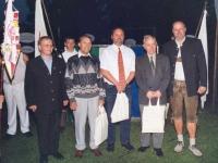 2004-06-26-jahndenkmaleröffnung-ehrengeschenke-für-den-komponisten-des-neumarkter-turnermarsches