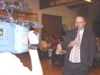 2004-09-03-firmen_und-vereinsabend-th-obmann-gerald-stutz-beim-ht1-interview